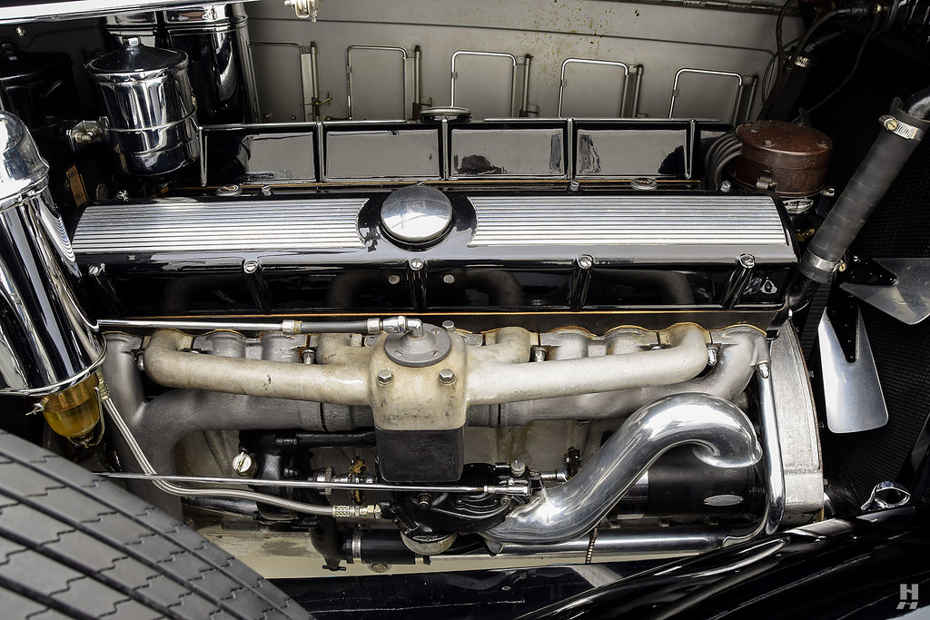 30006_F Cadillac Series 452 Fleetwood 452CI V16 3SPD Limousine_Black Silver