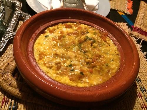 朝飯モロッコ風オムレツ 材料は昨日の夜飯と変わらない気が