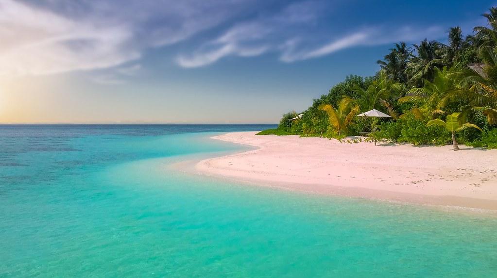 pink-beach-1761410_1920