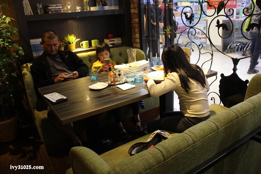 洋城義大利餐廳 | 前鎮光華店 | 義大利麵 | 義式燉飯 | 歡樂拼盤