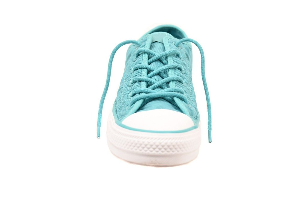 bb6acb2612e0 -Unisex -Comfortable fit -Low ankle -Lace up closure -Rubber sole -Style   153925C -Size  UK 3