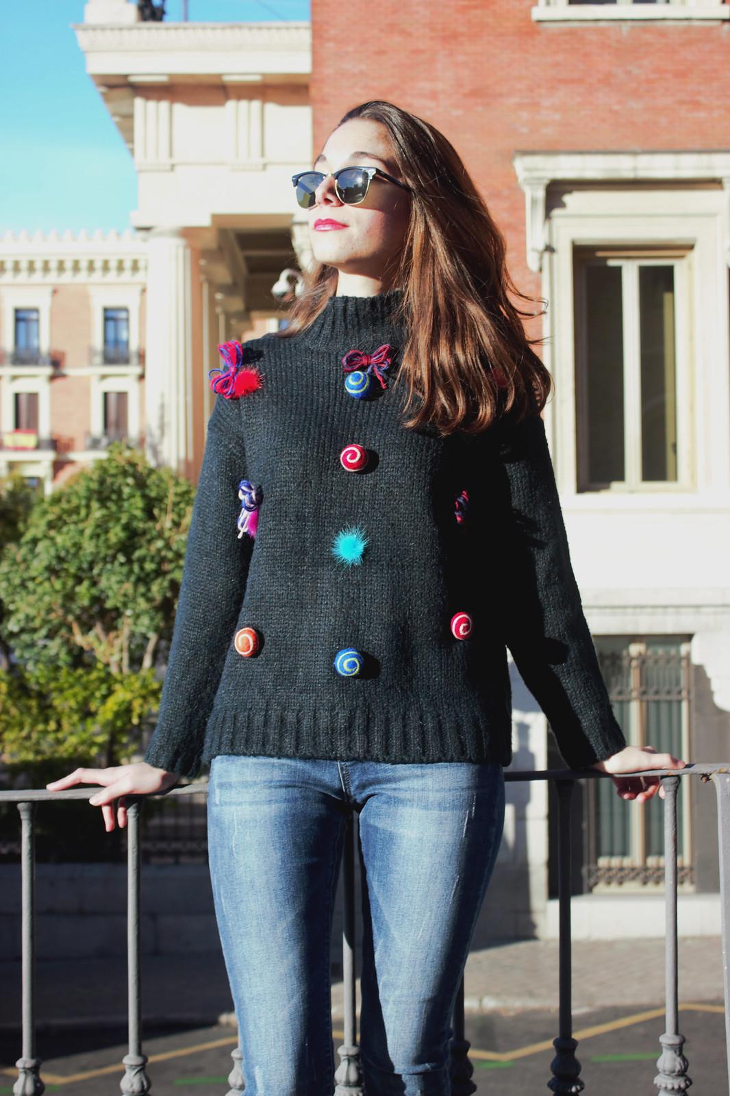 madlula-fashion-style-streetstyle-jersey-alegría-azul-detalles-lazos-pompones-2017-otoño-invierno