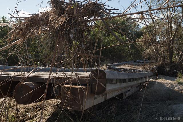 "broken Nagare-bashi (Koduya Bridge) - 流された""流れ橋"" (11)"