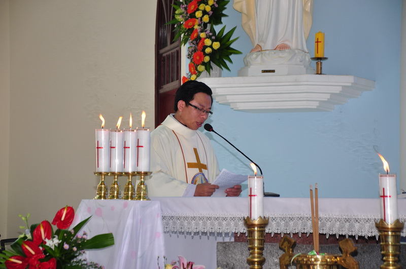 Thánh Lễ Bổ Nhiệm Cha Phó Biệt Lập Giáo Họ Hòa Mục