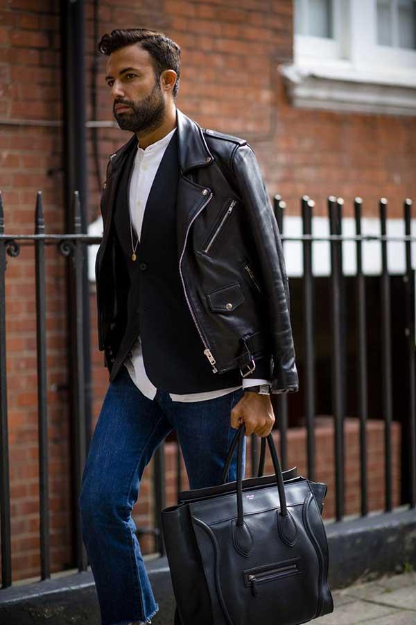 黒ダブルライダース×黒テーラードジャケット×白バンドカラーシャツ×デニムパンツ