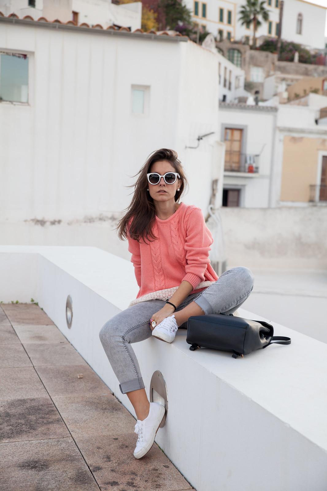 como combinar jersey de punto rosa theguestgirl influencer ibiza spain barcelona turista por Ibiza Rüga marca portuguesa líder en punto