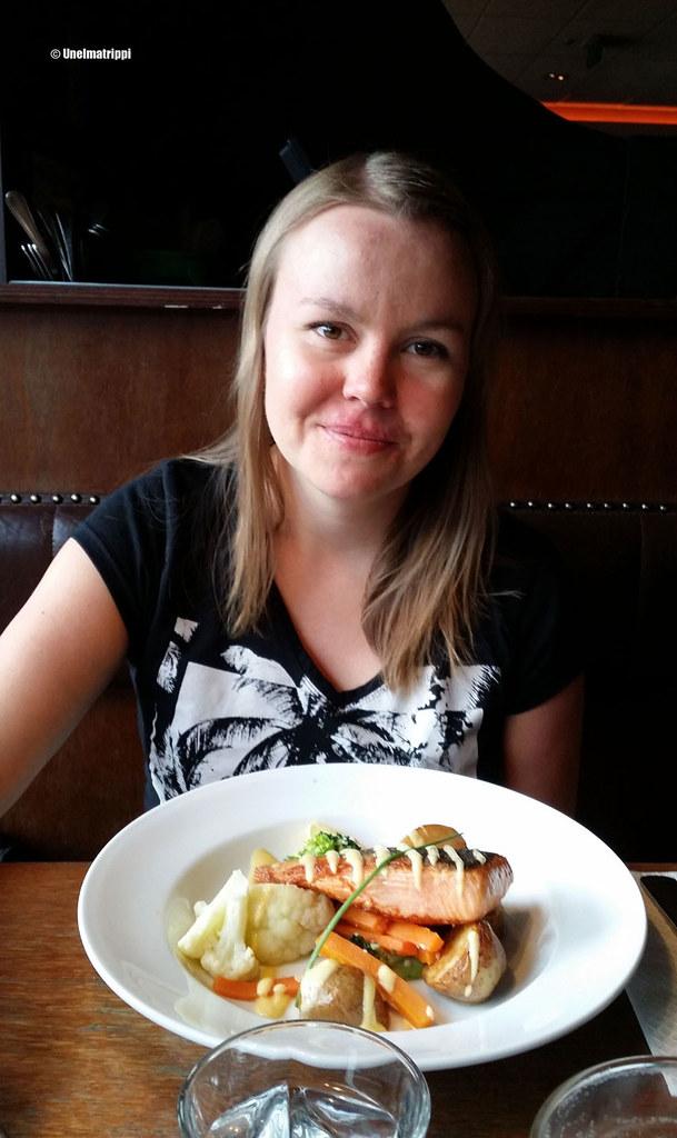 Jenni Brazz-ravintolassa Queenstownin keskustassa, Uusi-Seelanti