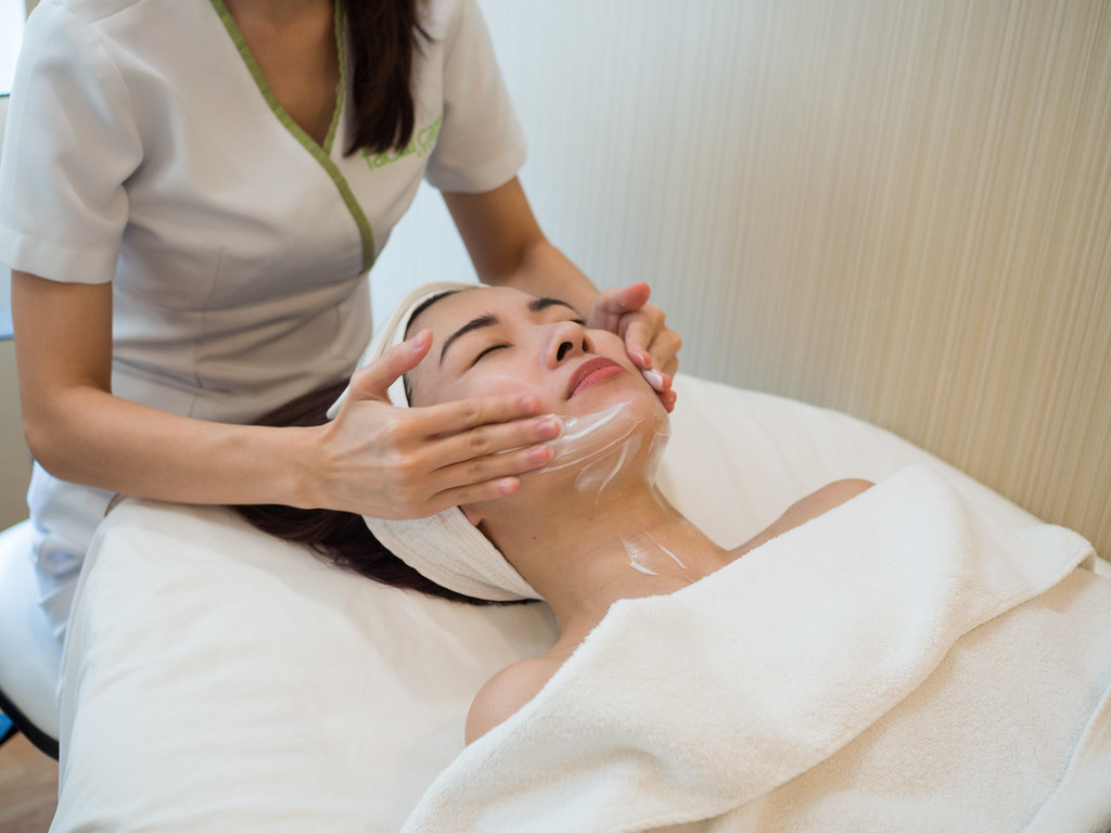 facial-treatment-steps