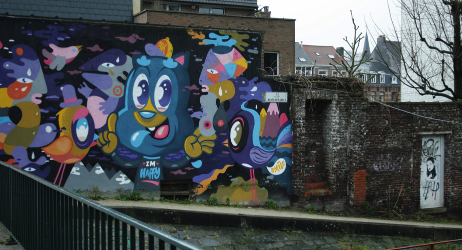 Streetart in Ghent, Belgium - Bué the Blue Warrior | Mooistestedentrips.nl