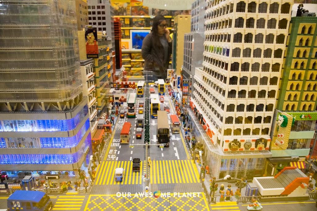 Lego Store-3.jpg