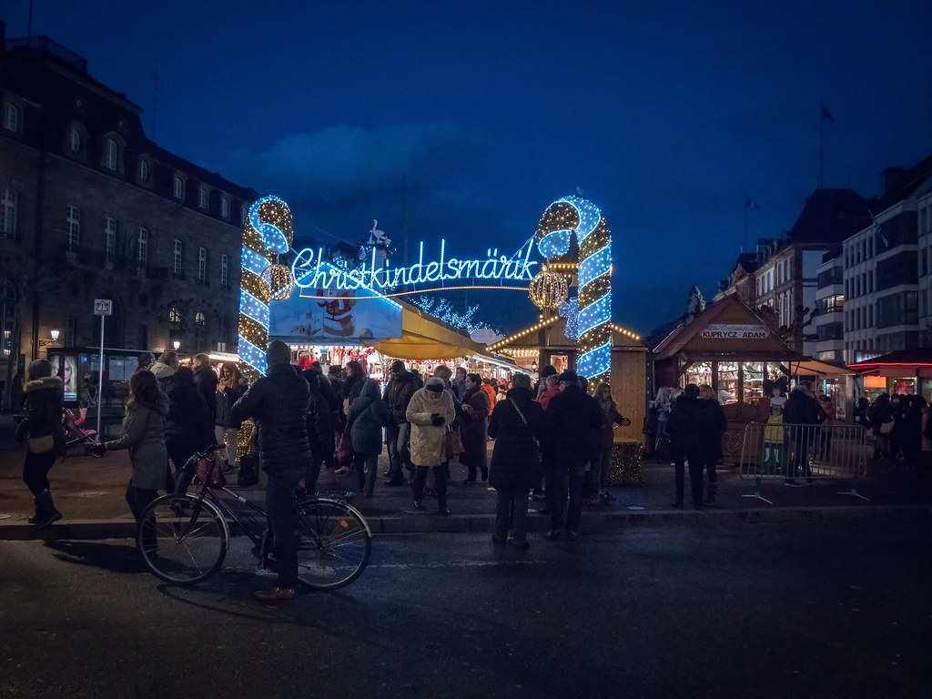 Marché de Noël de Strasbourg 38772786302_f7307ea681_b