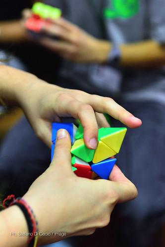 Gara di cubo di Rubik foto di Stefano Di Cecio