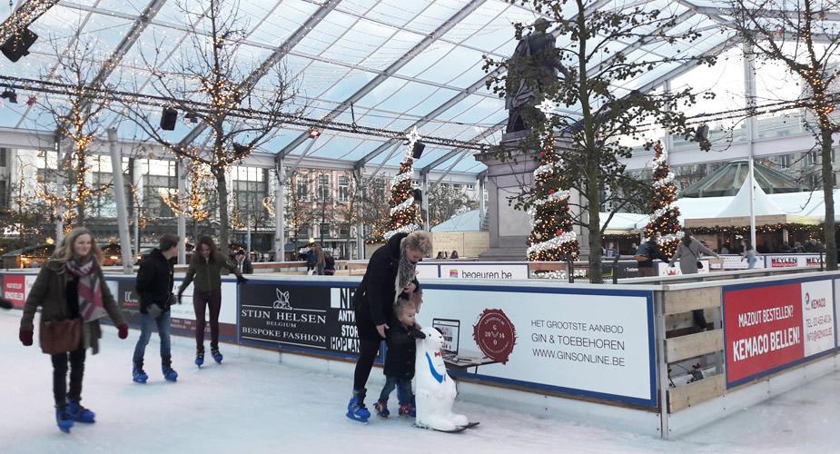 Winter in Antwerpen: schaatsen op de Groenplaats | Mooistestedentrips.nl
