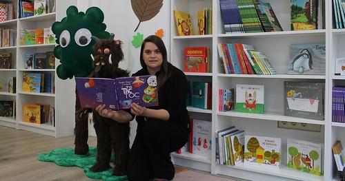 Conversas con...Eli Monteagudo, librería A Carapuchiña Feroz