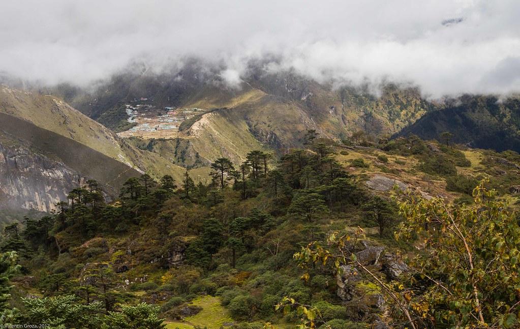 Namche 2 oct _05_sat in Himalaya