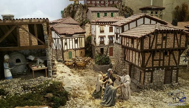El Regimiento de Transmisiones nº 22 de Burgos monta el Belén 21