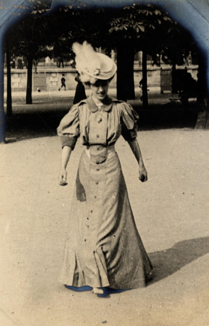 A fashionable woman in the Tuileries Garden, Paris, 1906