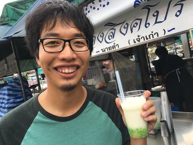 シンガポールでたまに飲んでたグラスゼリー…なのかも?