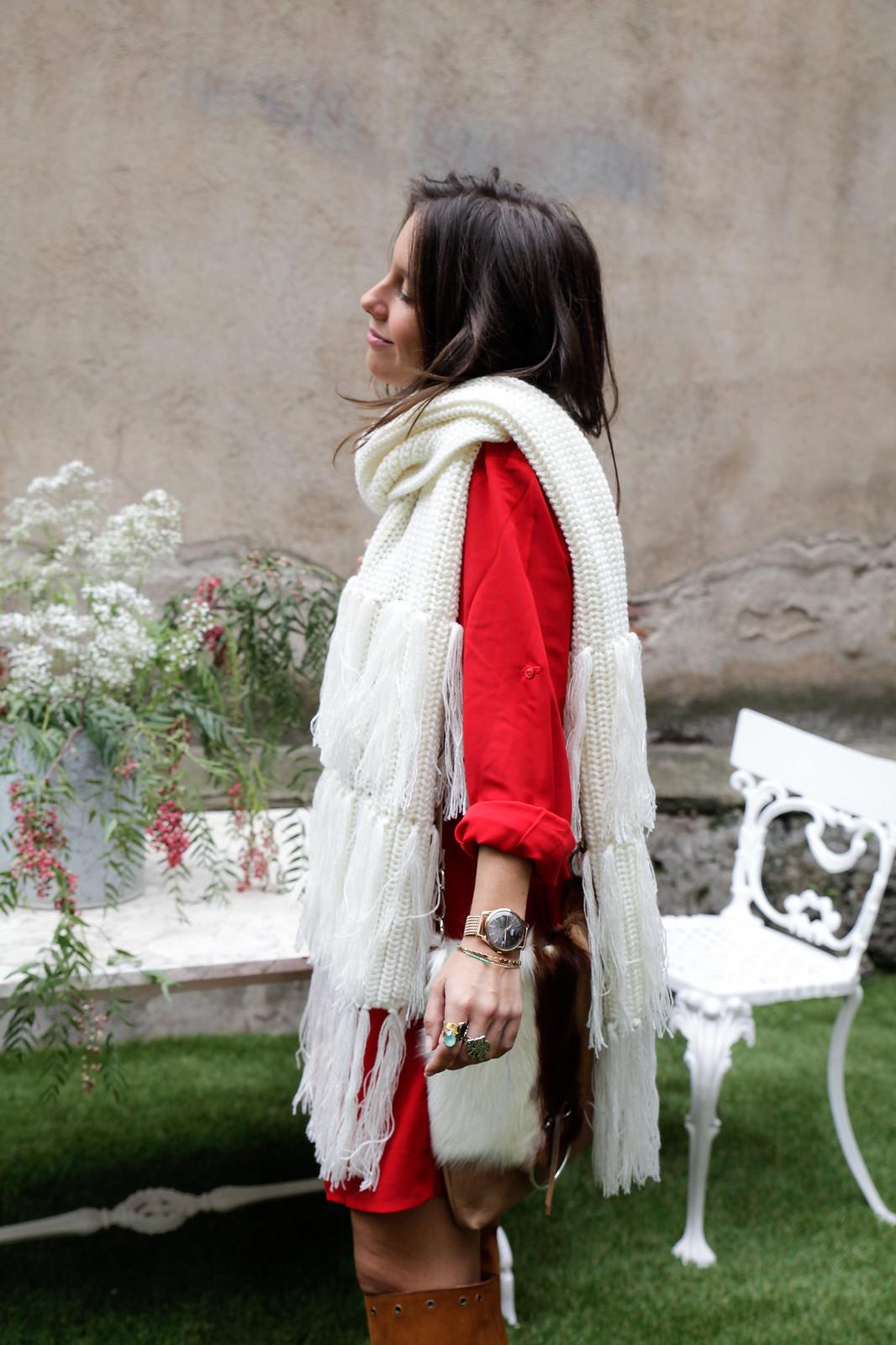 theguestgirl laura santolaria maxi bufanda vestido rojo