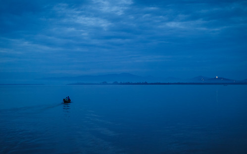 ©sébmar flickrcomsebmar fleuveriviere 9architecture eau mawlamyine heurebleue instasebas birmaniemyanmar vehicules bateau nature
