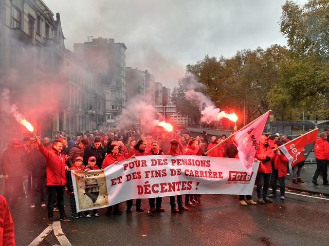 Liège: Plus de 10.000 manifestants contre le gouvernement et sa politique de hold-up social !