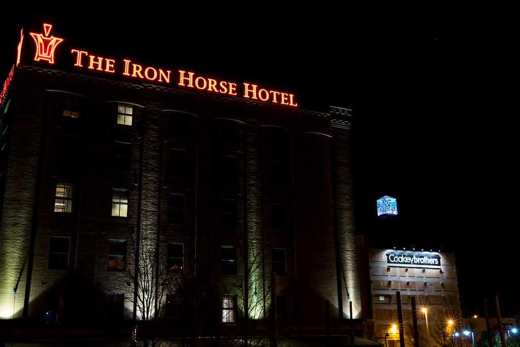 Hotels Near Milwaukee Theater
