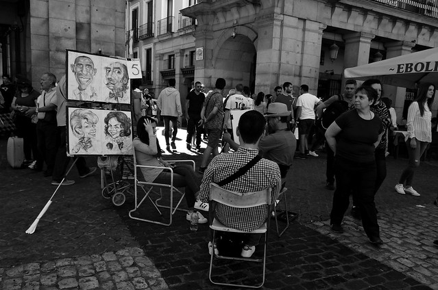 Caricaturistas en la Plaza Mayor de Madrid