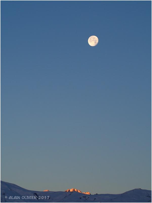 La déjà plus super Lune de ce matin 38846024411_e8fd70721d_o