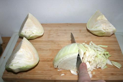 49 - Kohl in Streifen schneiden / Cut cabbage in stripes