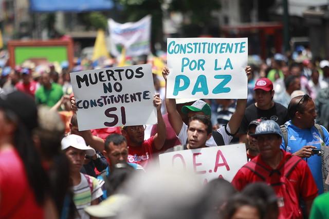 A Constituinte marcou um ponto neutro para alcançar a paz, diz deputado venezuelano