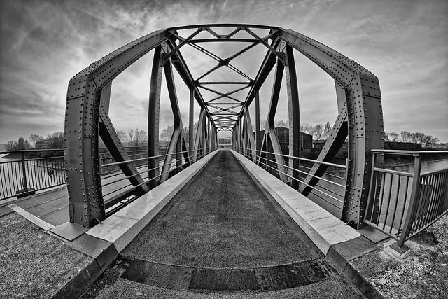 Brandenburger Brücke rebuilt  [Explored 2017-11-17]