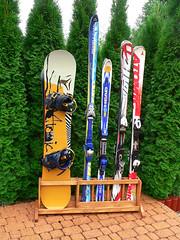 Stojan na lyže a snowboardy 4 + 2 - titulní fotka