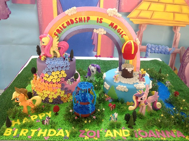 Little Pony Themed Cake by Tam's Crazy Kuchen