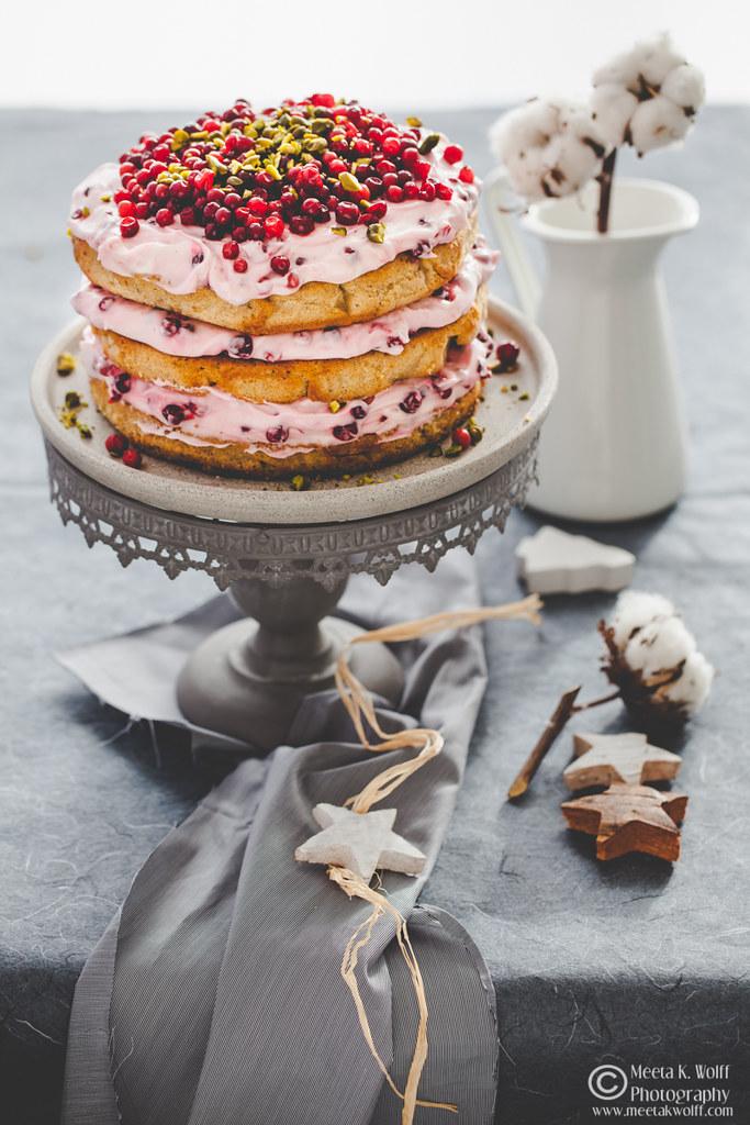 Lebkuchen-Lingonberry-Festive-Cake-by Meeta K. Wolff-0037