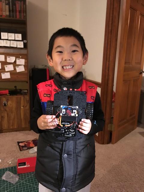 Making a Sparkfun Micro:bot (Micro:bit based robot)