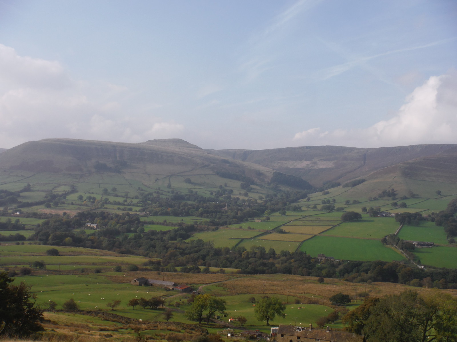 Grindbrook Clough and Grindslow Knoll, from Coffin Road up to Hollins Cross SWC Walk 303 - Edale Circular (via Kinder Scout and Mam Tor)