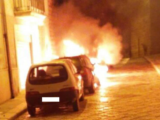 auto-in-fiamme