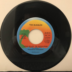 THE BUGGLES:VIDEO KILLED THE RADIO STAR(RECORD SIDE-A)