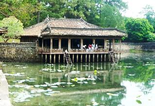 vietnam-hue-tu-duc-tomb_17768691763_o