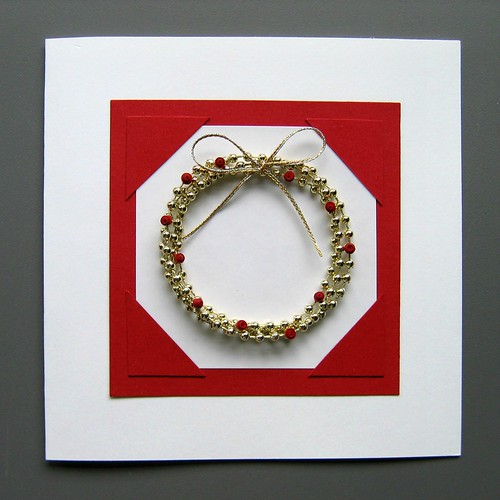 Quilled Holly Wreath Christmas Card Tutorial