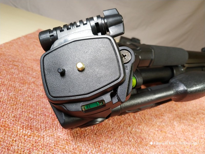 楽天で人気の大型カメラ三脚 (13)