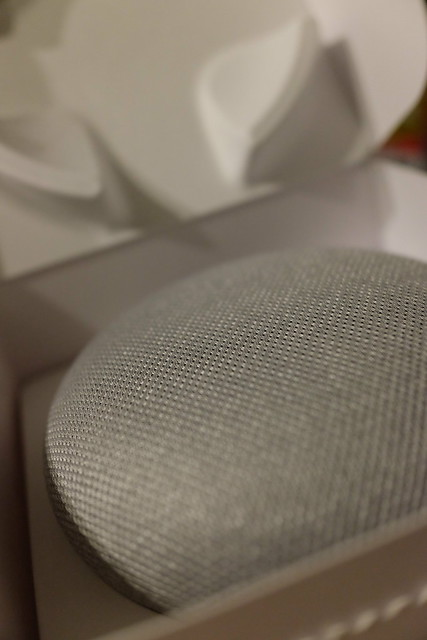 Google Home Mini 02