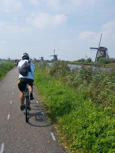 いい天気 サイクリングロードが張り巡らされている
