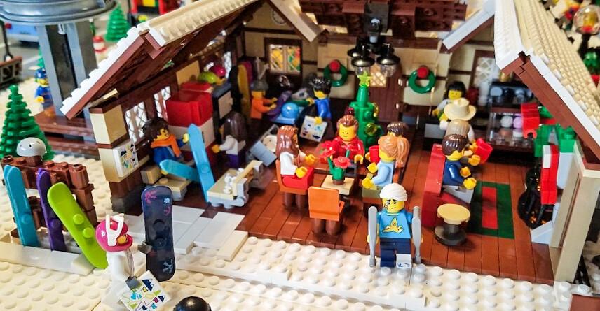 LEGO Christmas Village and Snow Resort 2017