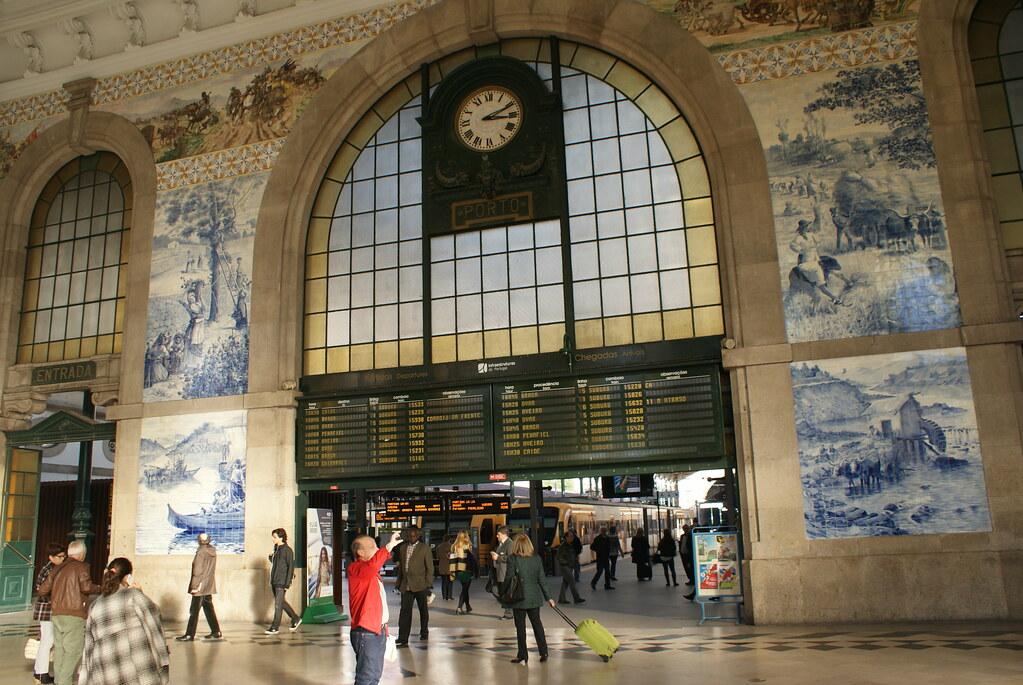 > Hall des voyageurs de la Gare de Porto-São Bento
