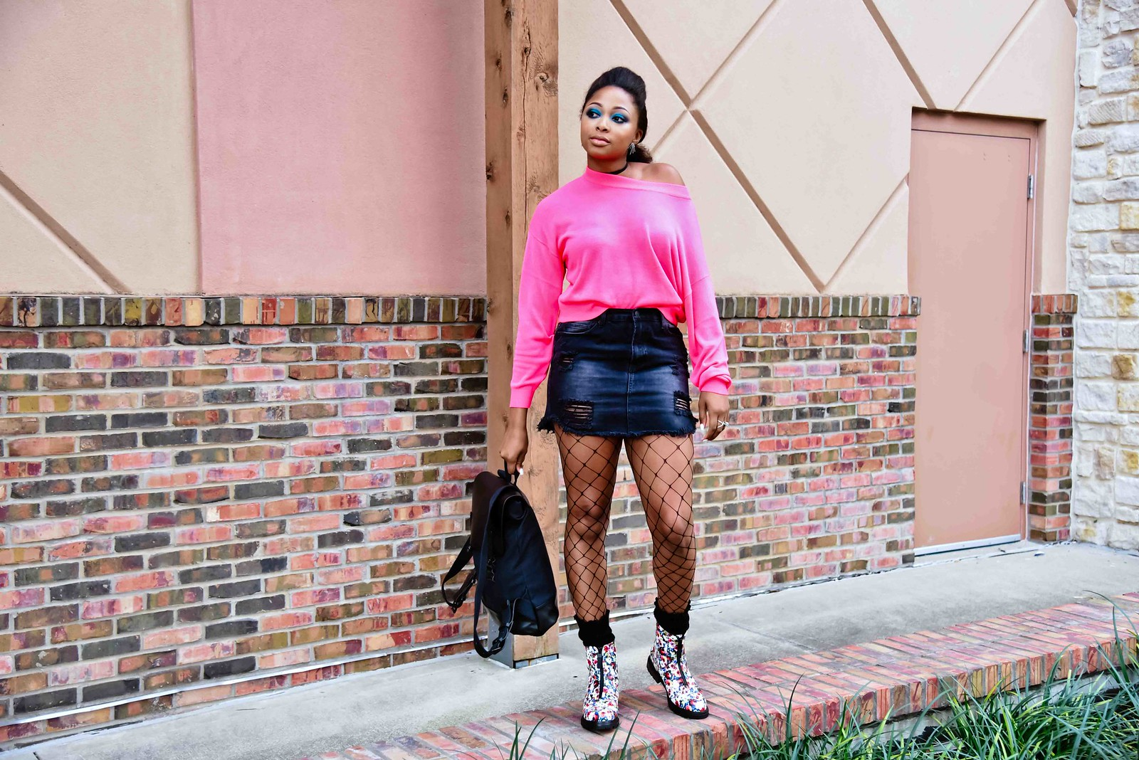 how to style a black denim skirt