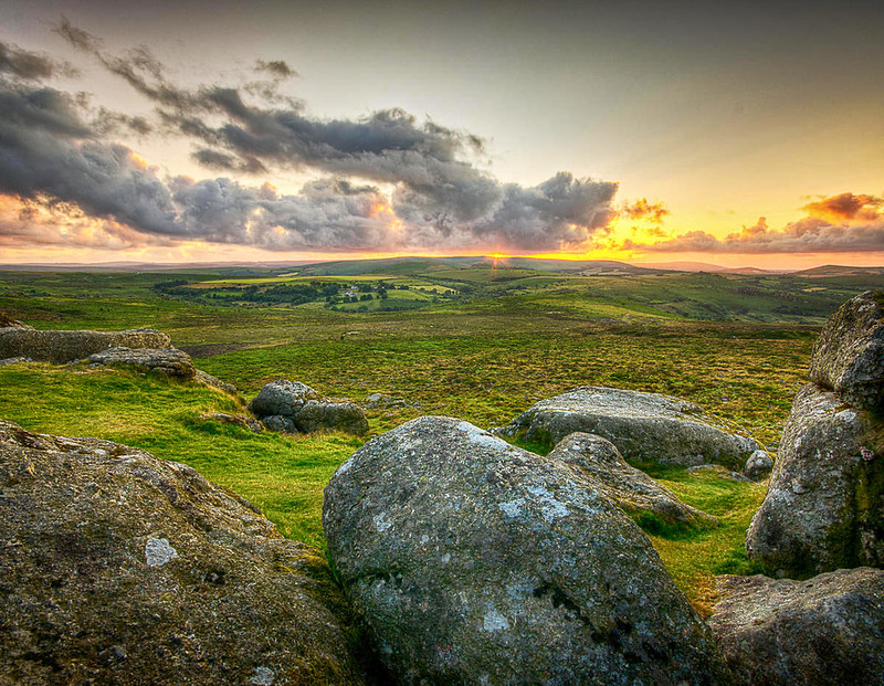 Sunset at Haytor, Dartmoor. Credit Simon Vogt, flickr