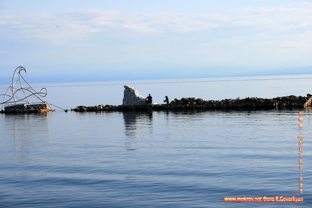Поселок Листвянка Озеро Байкал — Россия фото достопримечательностей