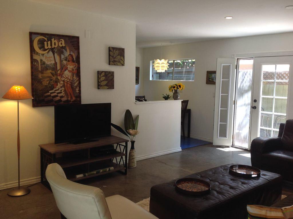 1484 Silver Lake Blvd,Los Angeles,California 90026,1 Bedroom Bedrooms,1 BathroomBathrooms,Apartment,Silver Lake Blvd,5563