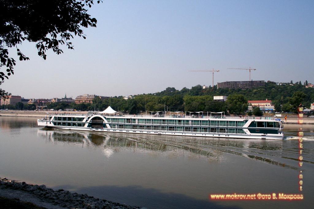 Столица Венгрии - Будапешт прогулки туристов.